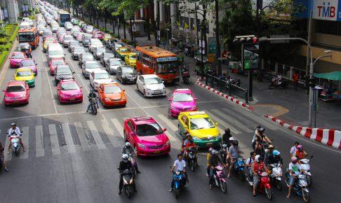 渋滞するバンコク市内