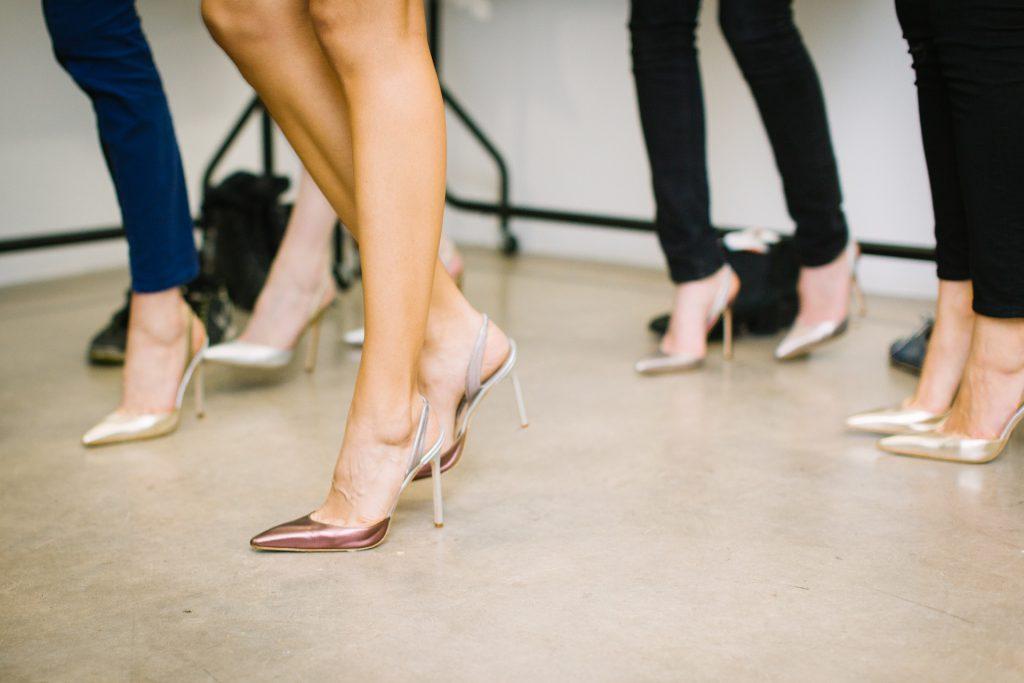 女性の美しい足