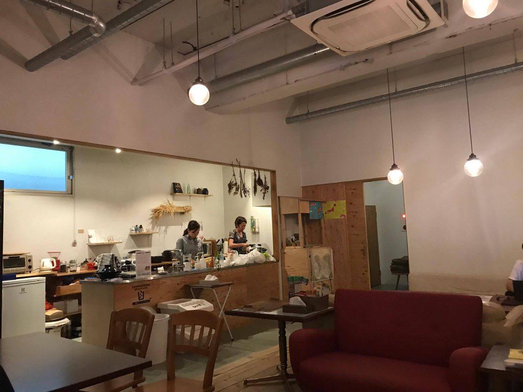 熱海のゲストハウスMARUYAのキッチン